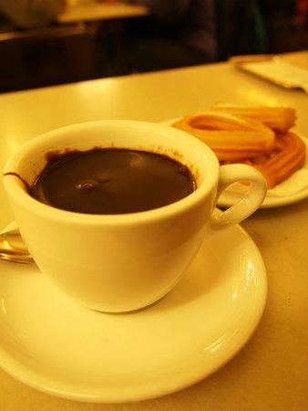 Cafe Granja Viader: ホットチョコレートというよりチョコソース