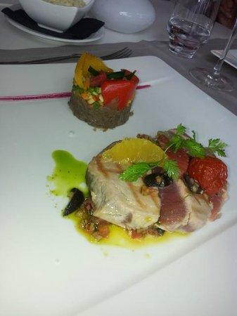 Hotel Lavaux : Tuna steak (cooked Japanese way)