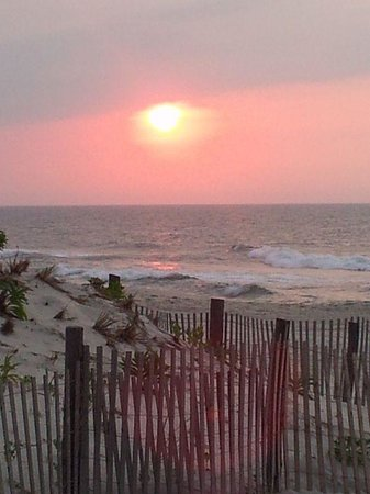 sunrise over the ocean picture of island guest house bed and breakfast inn beach haven. Black Bedroom Furniture Sets. Home Design Ideas
