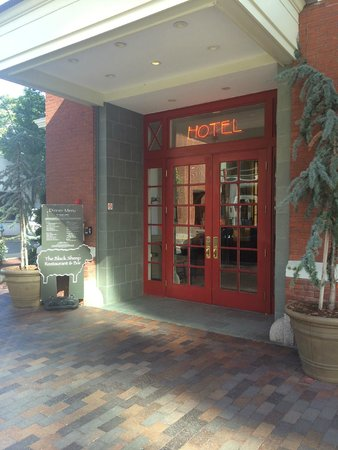 Kendall Hotel: The hotel entrance.