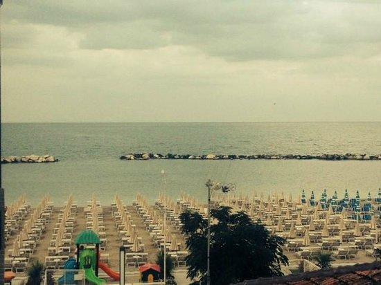 Hotel delle Nazioni : spiaggia