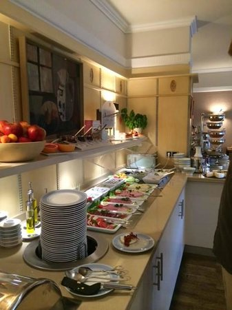 Bavaria Botique Hotel: FABULOUS breakfast buffet