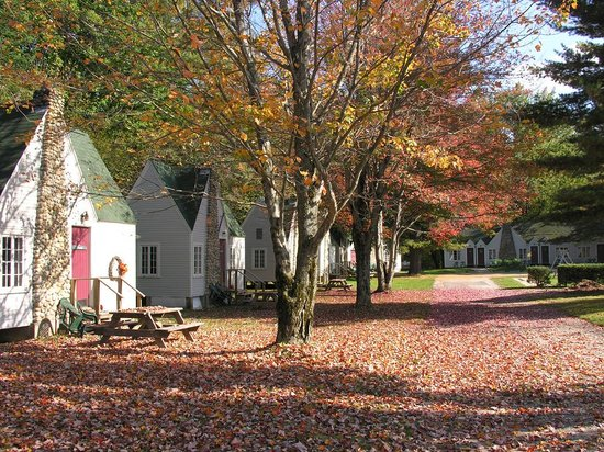 Gilcrest Cottages and Motel: Fall at Gilcrest