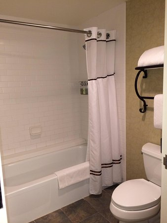 Hotel Talisa, A Luxury Collection Resort, Vail: Full size bathroom with bathtub
