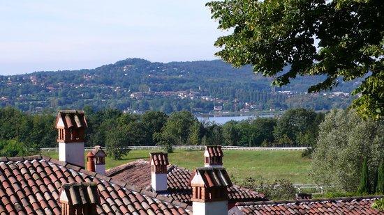Le Foresterie dei Piaceri Campestri: Vista lago di Varese dalla loggia superiore