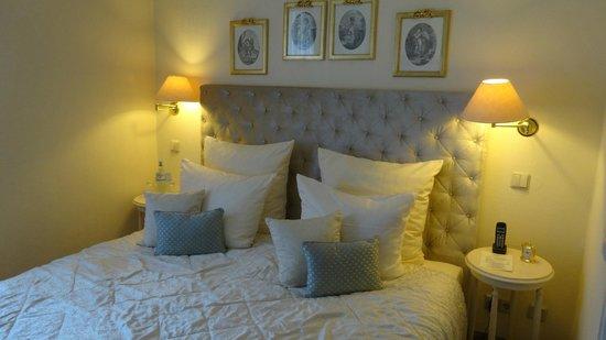 Weinromantikhotel Richtershof: Bedroom