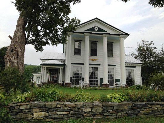 McIndoe Falls Inn