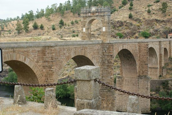 Puente de Alcantara: impresionante