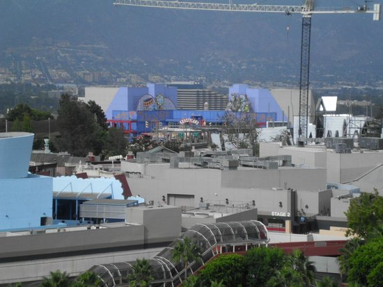 Hilton Los Angeles/Universal City : view of Simpsons ride from room