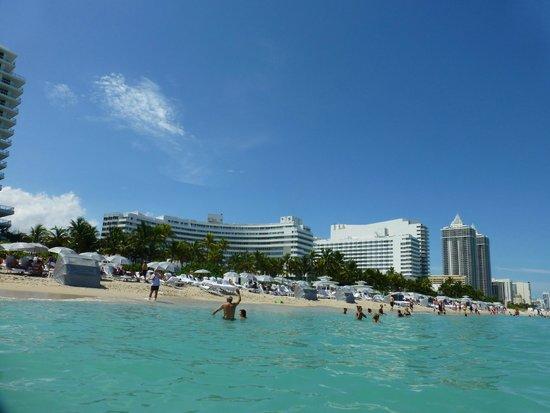 Fontainebleau Miami Beach: olha só a praia