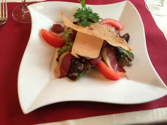 Le Petit Normand: Salad with foie gras