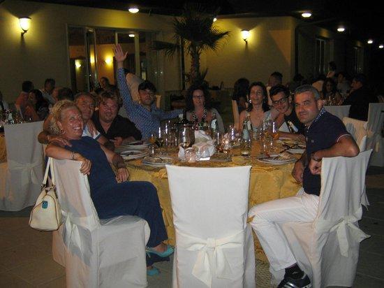 Il Partenone Resort Hotel : Festa di ferragosto con cena sulla piscina.