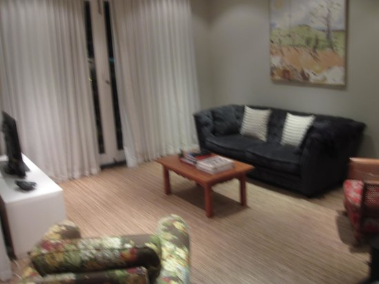 Blackheath Lodge: Living area in the two bedroom apartment