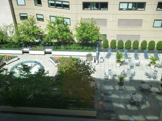 JW Marriott Washington, DC: Fountain Courtyard