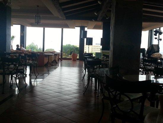 Hotel Diamante Suites: Bar