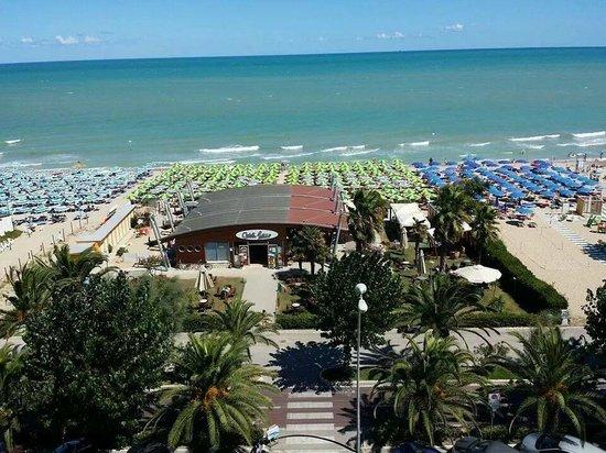 Hotel President: vista mare dall alto..