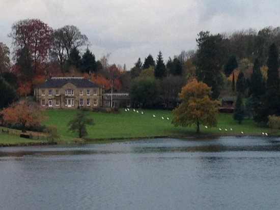 The Coniston Hotel Country Estate & Spa: Walk around the lake