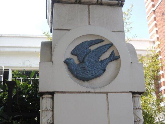 Bluebird Chelsea: Bluebird emblem