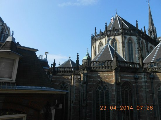 Best Western Dam Square Inn: A view of the Cathedral from my hotel window,