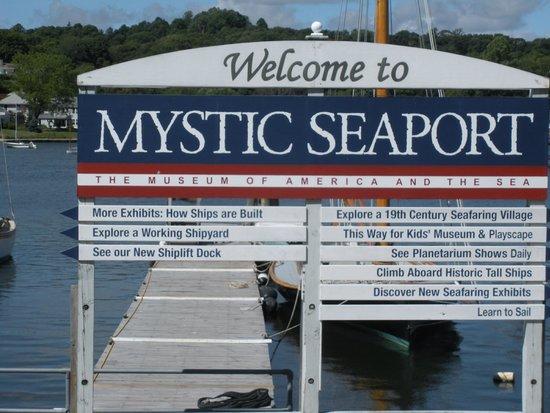 Mystic Seaport Welcom sign