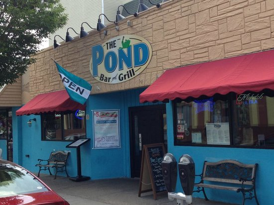 The Pond: Terrific burgers and wings
