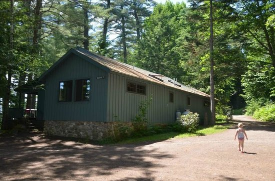 Migis Lodge: Cove 1 cabin
