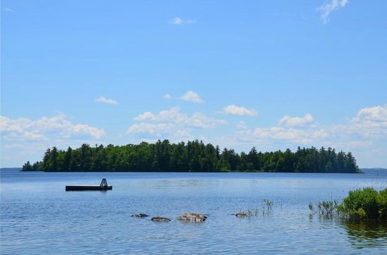 Migis Lodge: Sebago Lake