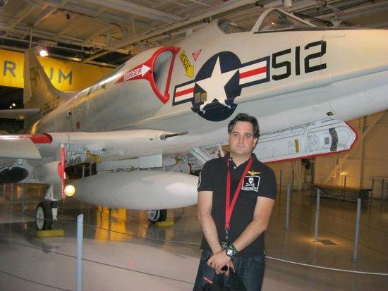 Intrepid Sea, Air & Space Museum: Gran colección de aviones de la US Navy