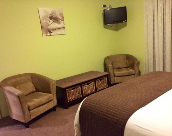 Room 1 at Baudins of Busselton.