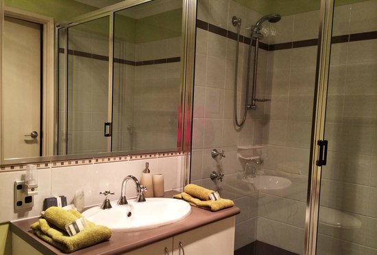 Baudins of Busselton: How do they fit such a spacious bathroom into each room?