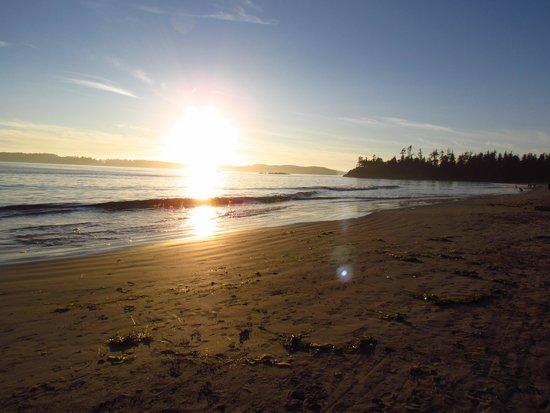 Crystal Cove Beach Resort: Sunset at the beach