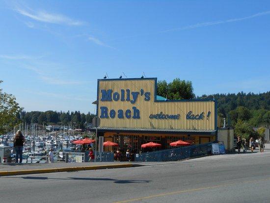 Molly's Reach Restaurant