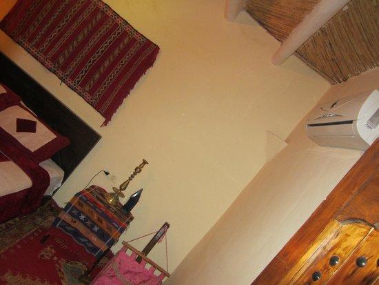 Tizi Maison d'Hotes: climat chambre confort