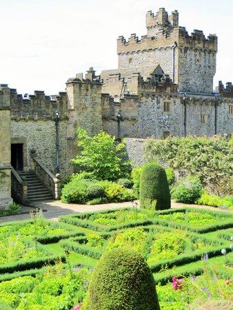 Haddon Hall: Garden