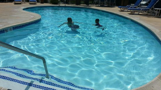Fairfield Inn Mission Viejo Orange County: Dip in the pool