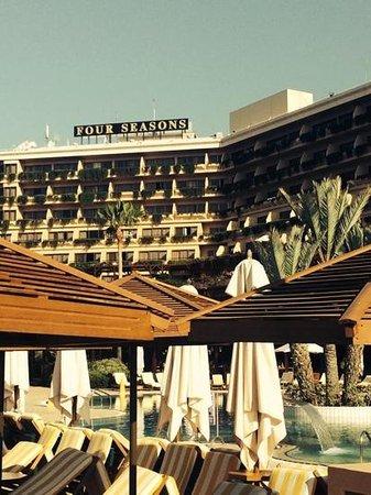 Four Seasons Hotel: отель