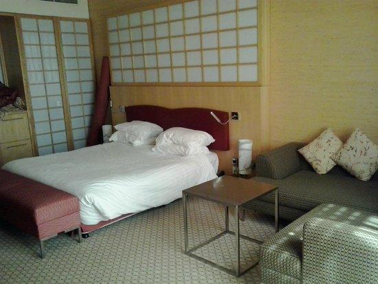 Radisson Blu Hotel, Doha: bedroom