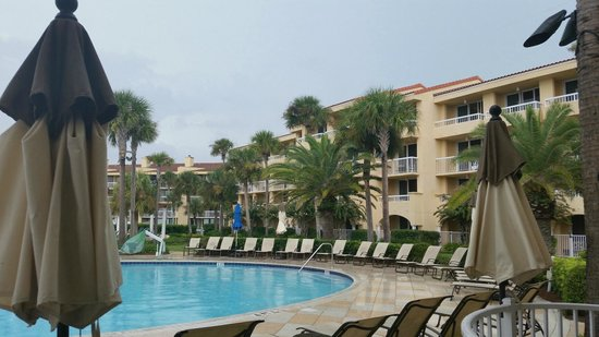 The King and Prince Beach and Golf Resort: By the pool while it's raining
