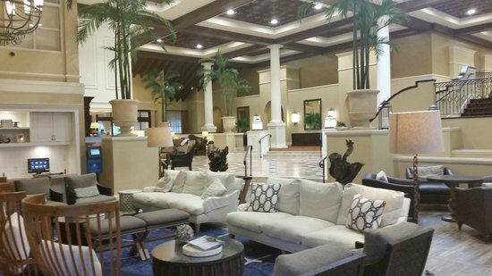 The King and Prince Beach and Golf Resort: Yup - where the wonderful indoor pool USED to be, now there are couches!