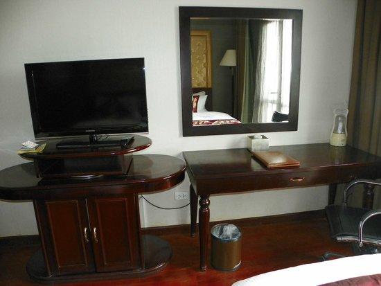 Hanoi Medallion Hotel: escritorio