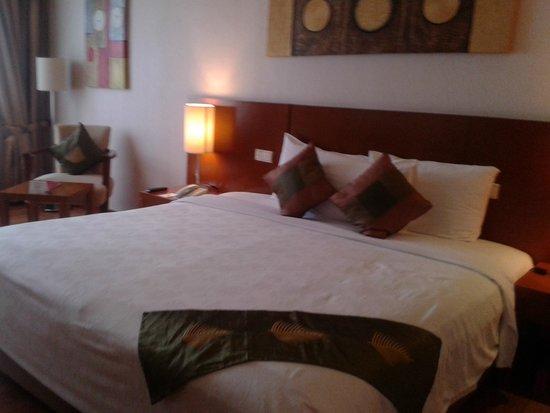 Century Park Hotel: Bed