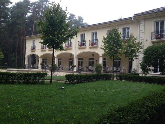 Kronon Park Hotel: hotel, outdoor eating area