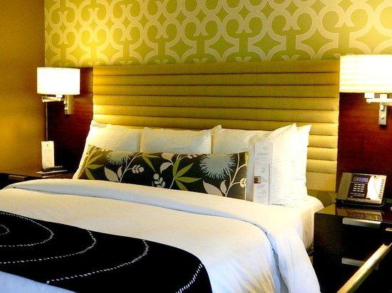 Le Montrose Suite Hotel: My room