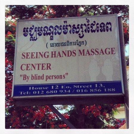 Seeing Hands Massage Center : Affiche dehors