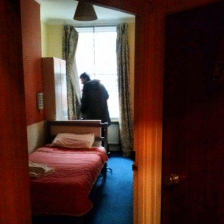 Gresham Hotel : habitación individual