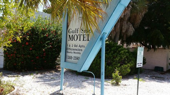 Gulf Side Motel: The sign