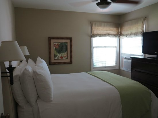 Indian Springs Resort and Spa : The bedroom - Cottage 11