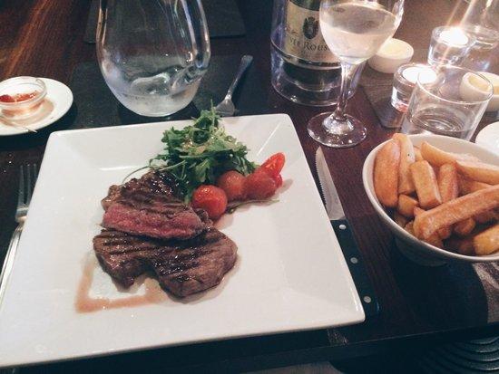 Quayside Restaurant: Gorgeous steak