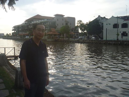 Malacca River: At the riverside~