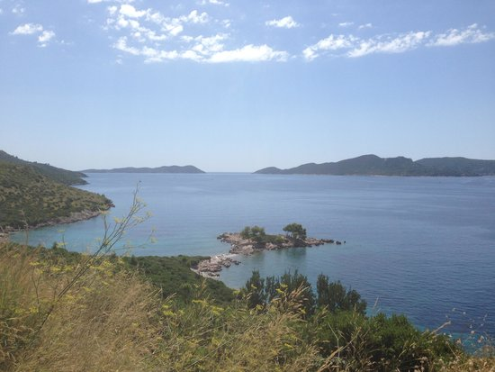 Hotel Dubrovnik Palace : View across the bay